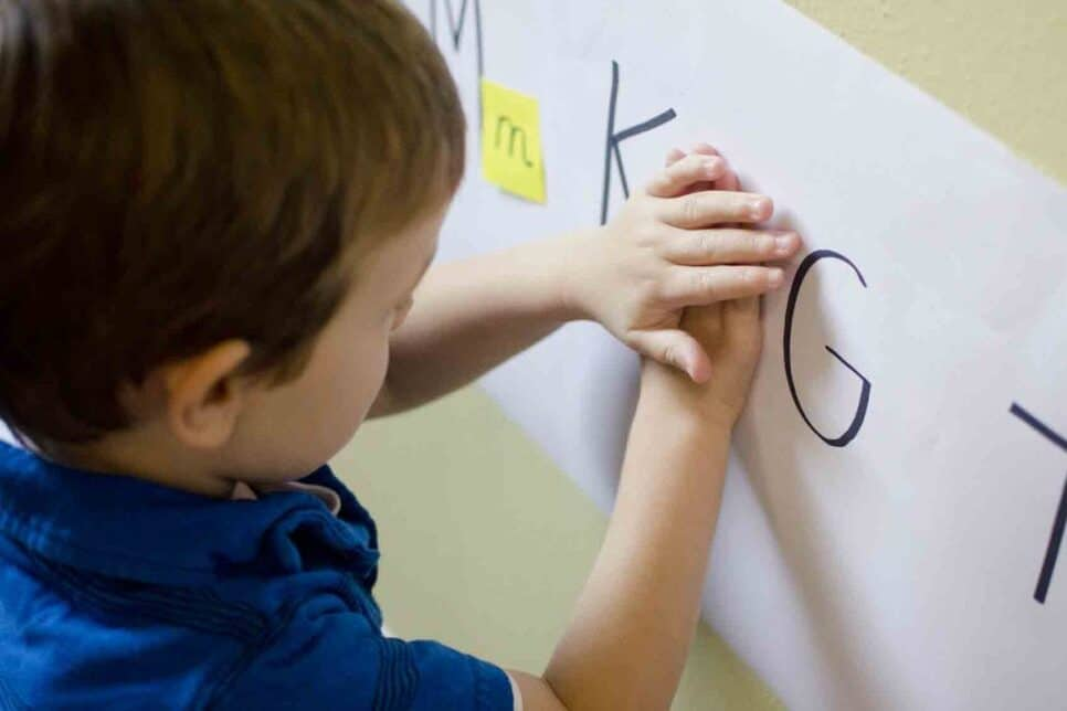 Toddler activities using letters and Post-It notes | The Dating Divas