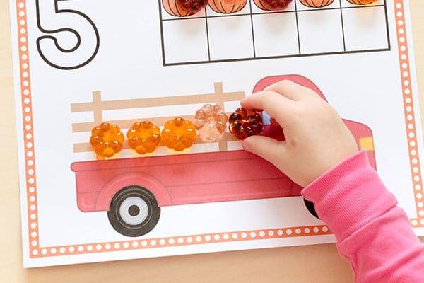 Pumpkin counting printable preschool worksheets | The Dating Divas
