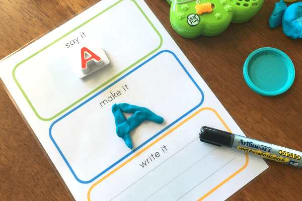 Printable preschool worksheets with a 3-step reading process | The Dating Divas