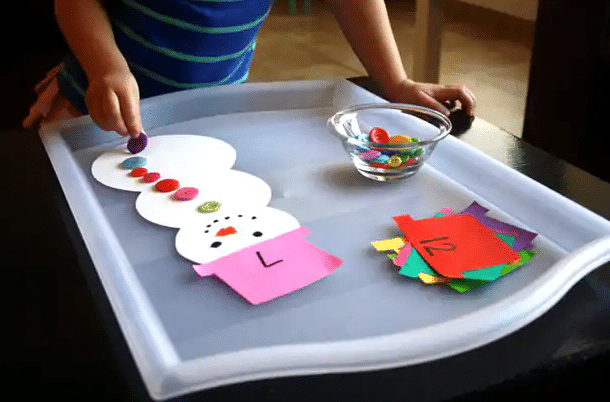 Snowman number idea for preschoolers | The Dating Divas