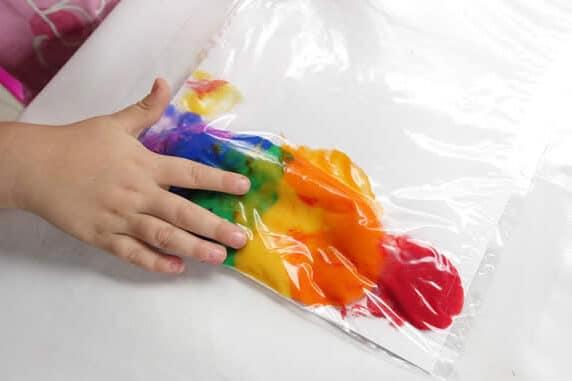 Sensory paint toddler activities | The Dating Divas