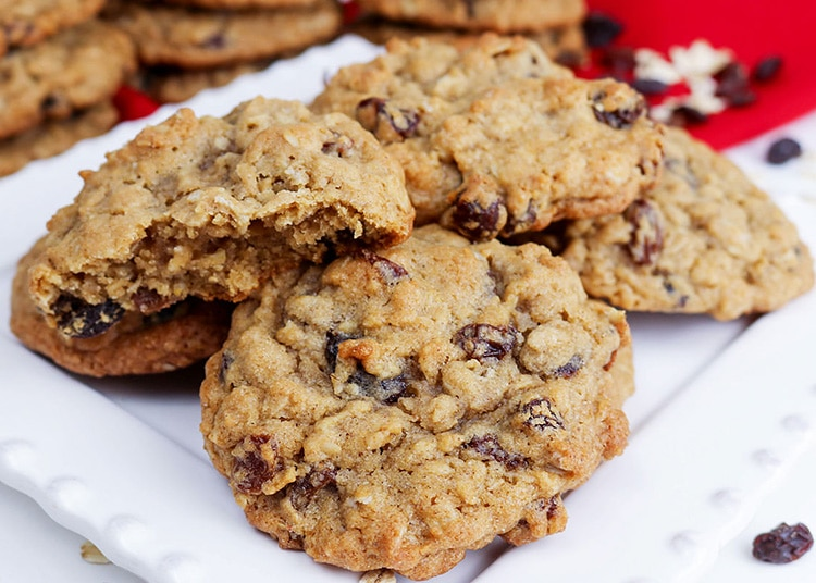 Oatmeal raisin cookies can get a bad wrap, but this cookie recipe will fix that.   The Dating Divas