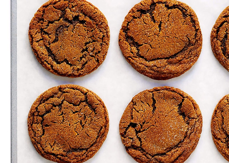If you don't care for the SNAP of a ginger snap, this molasses cookie recipe is perfect for you.   The Dating Divas