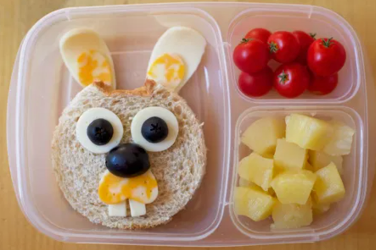 Bunny rabbit sandwich lunch   The Dating Divas