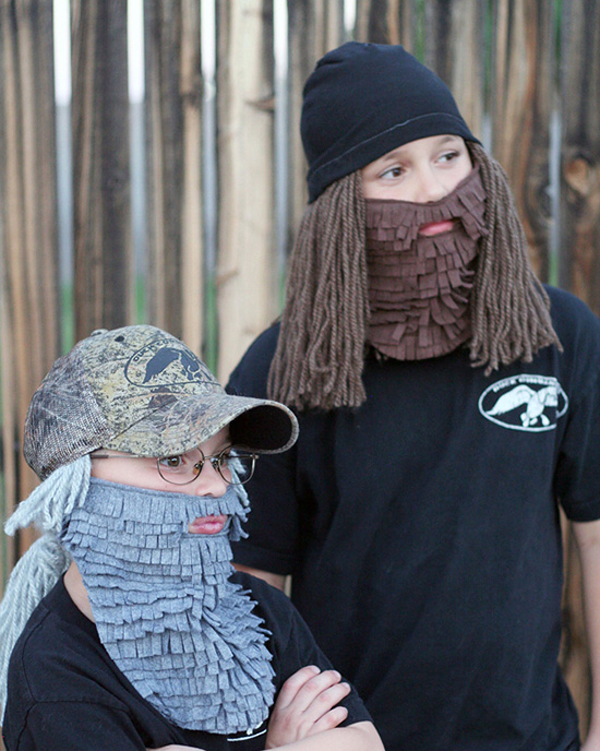 Homemade beards on these DIY costumes are cozy and cute! | The Dating Divas