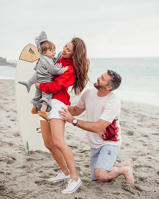 Easy beach-themed family costume ideas for mom and dad, cute costume for the kiddo. | The Dating Divas