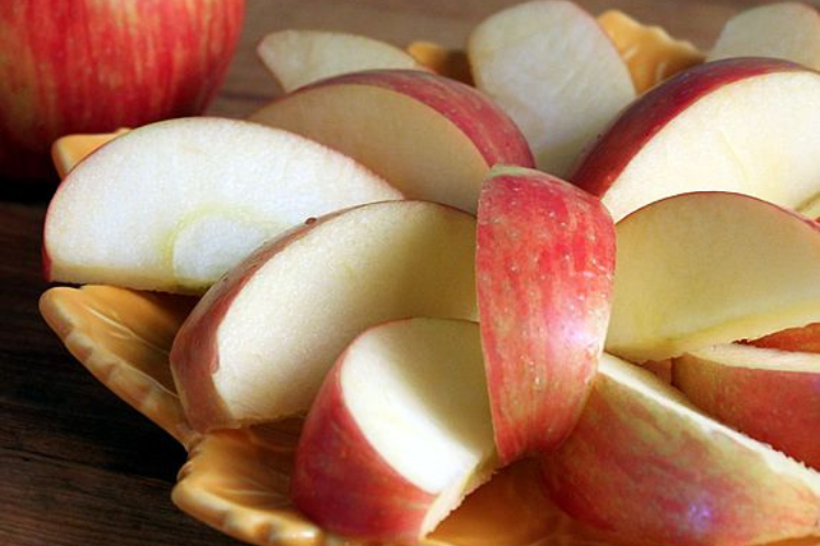 Preventing browning apples   The Dating Divas