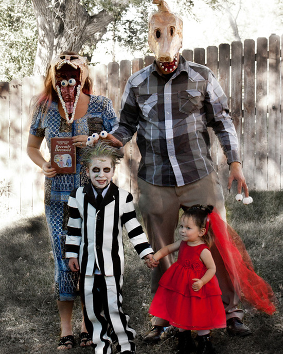 Family costume ideas for Beetlejuice. | The Dating Divas