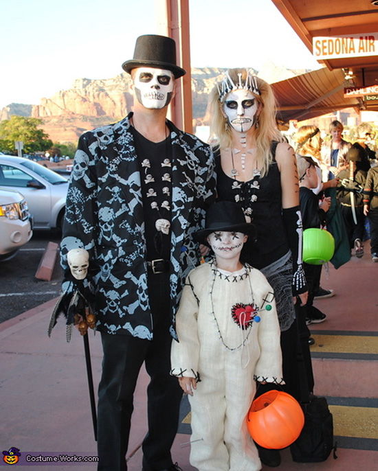 VooDoo family costume ideas are both scary and original. | The Dating Divas
