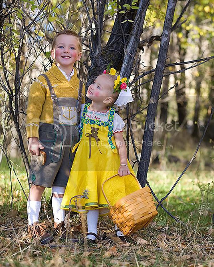 Hansel and Gretl are fun family costume ideas. | The Dating Divas