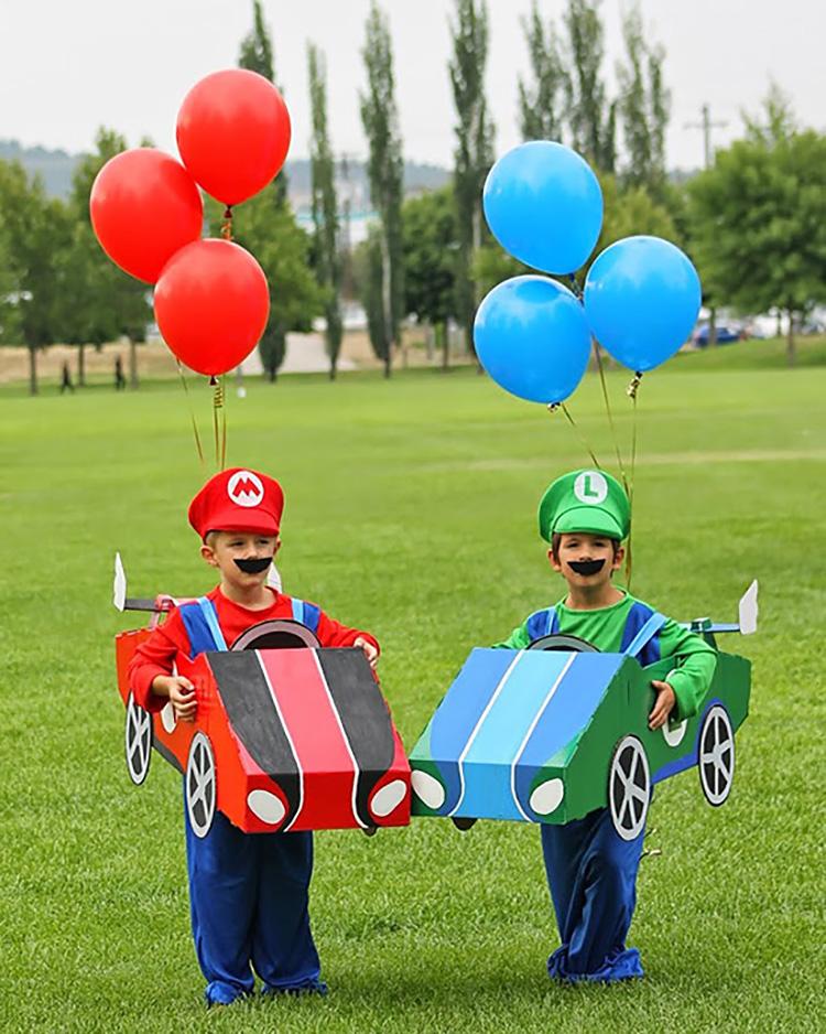 Nintendo-themed family costume ideas. | The Dating Divas