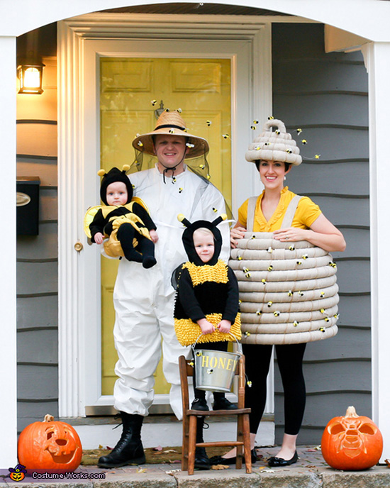 This bee-themed family halloween costume idea is unBEElievable. | The Dating Divas