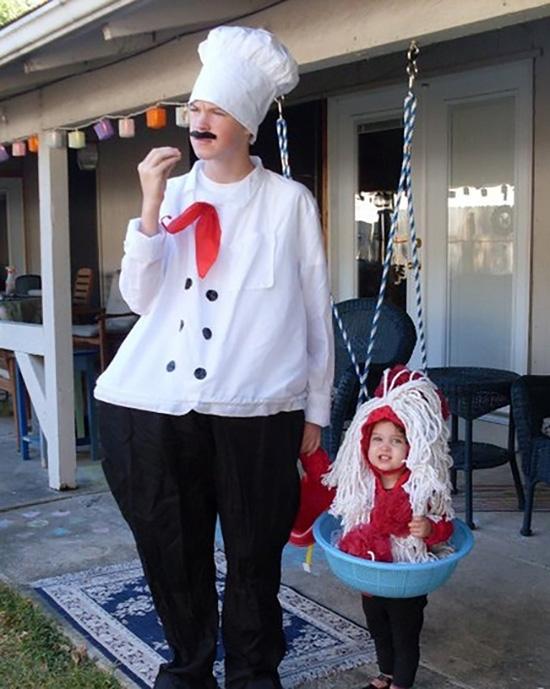 DIY spaghetti and meatball family costume ideas. | The Dating Divas