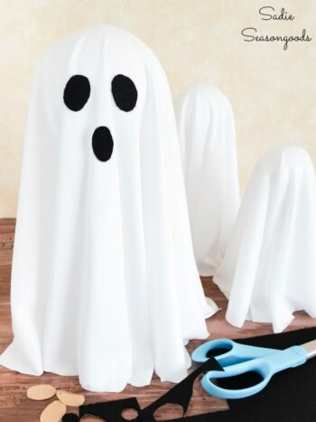 How to make ghost Halloween decorations that float | The Dating Divas