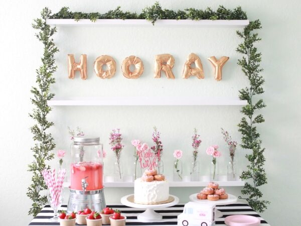 Mini-lettered balloon banner can spell out anything for birthday party decorations | The Dating Divas