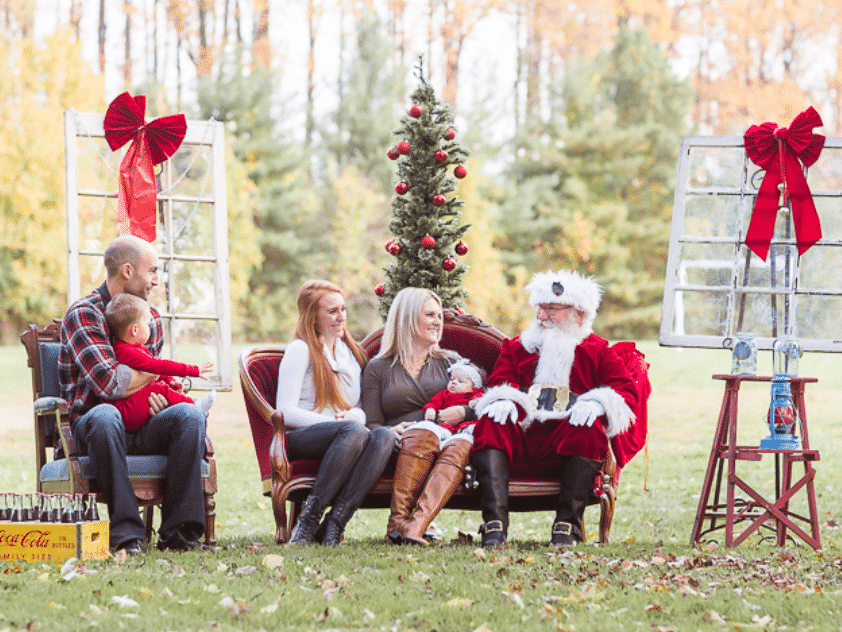 Funny Christmas card ideas that have Santa sitting with a family | The Dating Divas