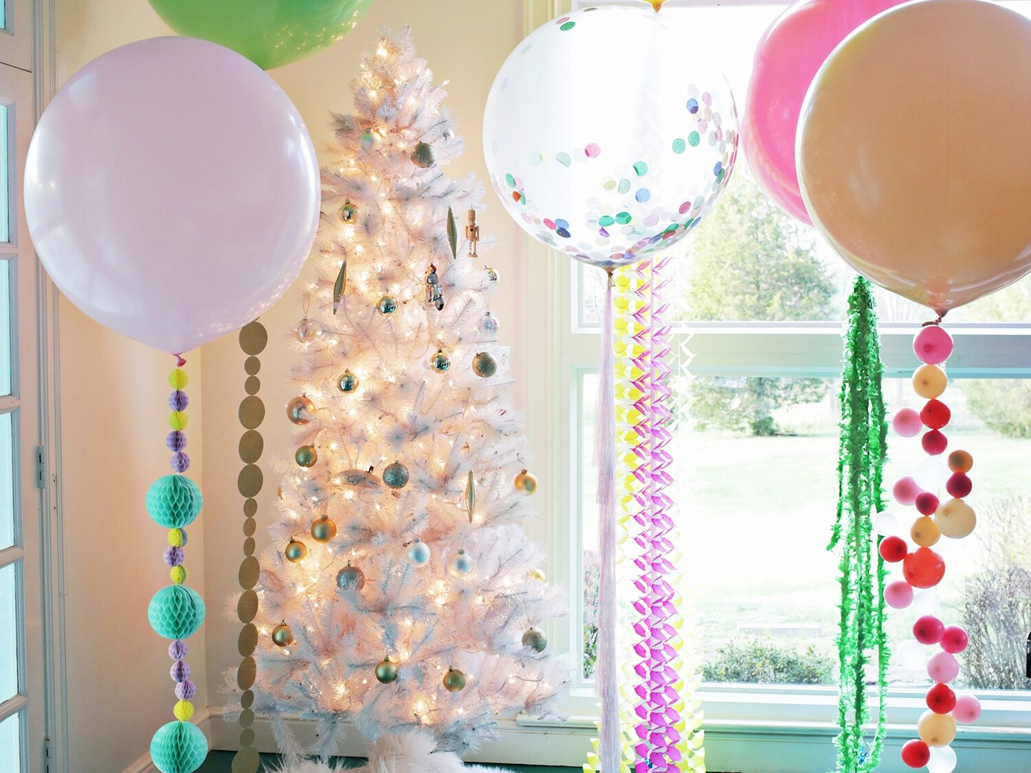 Lots of different ideas to make balloons tails more fun and unique for birthday party decorations | The Dating Divas