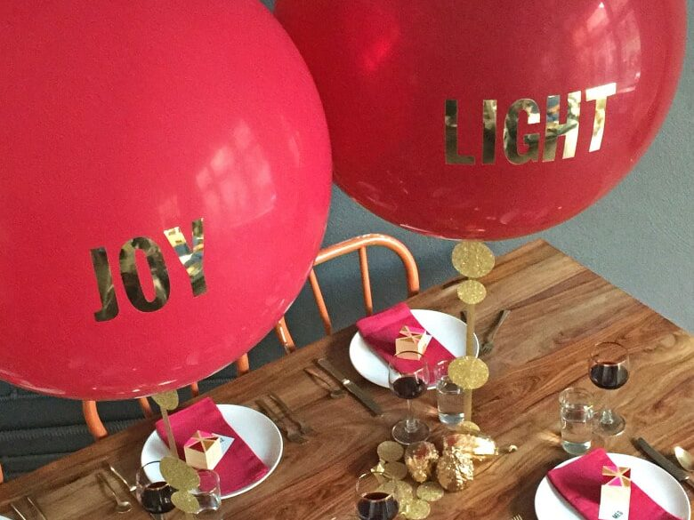Add custom words to balloons to personalize the birthday decorations | The Dating Divas