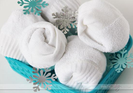 Candice-Snowdate-snowballfight