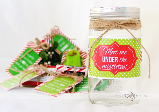 DIY Mistletoe Christmas Gift with Printables