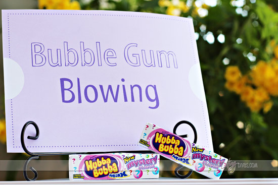 Julie-Picnic-Games-Bubble-Blowing-WebReady