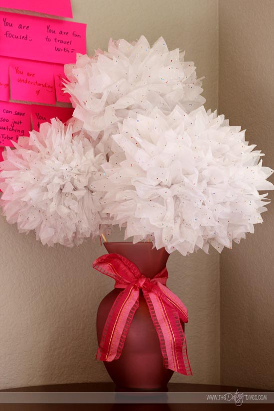 Julie-post-it-notes-heart-tissue-puff-flowers(Web)