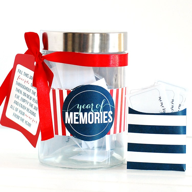 Romantic Things To Do On New Years Eve: Year Of Memories Jar: A New Year's Idea