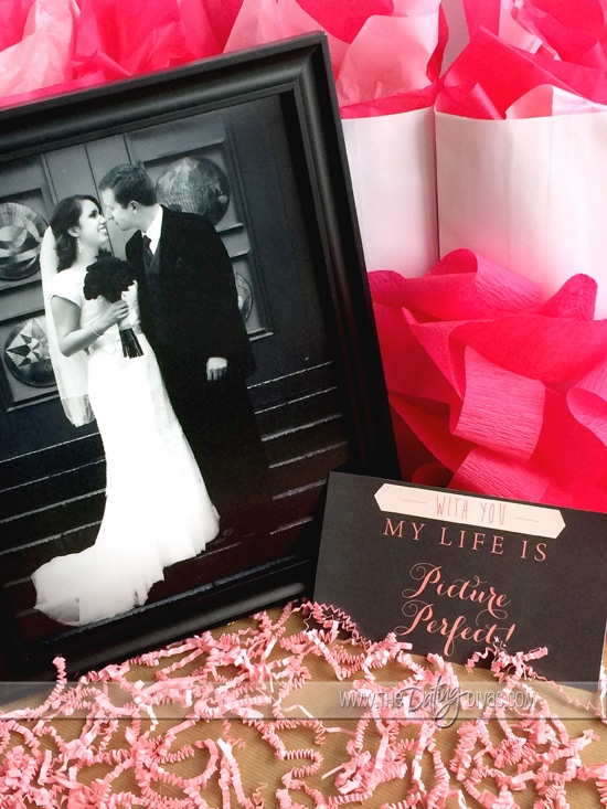 Romantic Valentine's Day Gift Ideas from www.thedatingdivas.com! How cute is this Valentine's Day gift idea! Awesome!