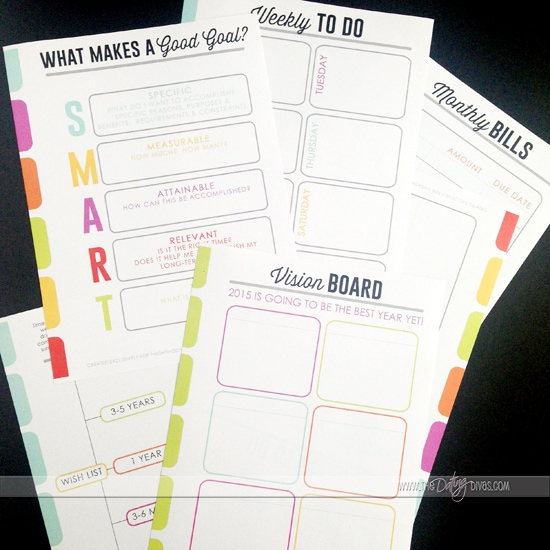 Get a jumpstart on your goals and New Year's Resolutions for 2015 with this adorable goal setting guide from www.thedatingdivas.com