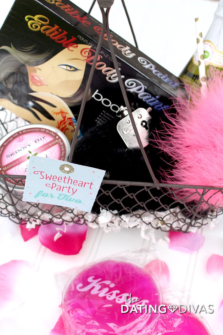 Sweetheart Bedroom Party Basket For Two