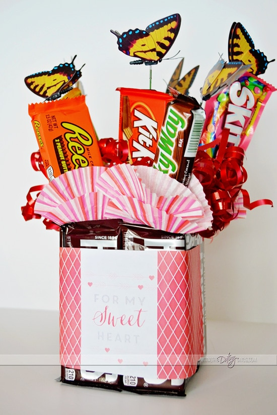 Easy DIY Candy Bouquet for Valentine's Day